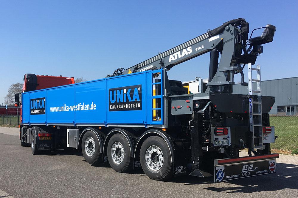 Esve Special Trailers in Lichtenvoorde. Bouw en ontwerp van opleggers, aanhangwagens, middenassers, kermis en besturingssystemen.